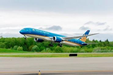 Hàng không hủy hàng loạt chuyến bay do ảnh hưởng cơn bão số 2