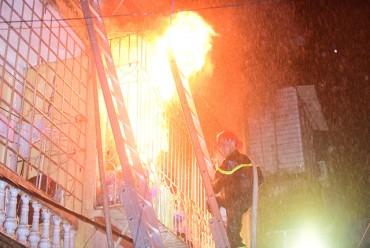 Hà Nội: Cháy nhà 4 tầng lúc rạng sáng, 2 người tử vong