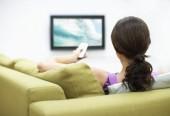 Xem tivi là yếu tố khiến nhiều phụ nữ bị đau vùng thắt lưng