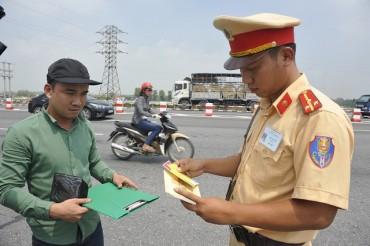 Tăng mức phạt vi phạm giao thông từ 1/8?