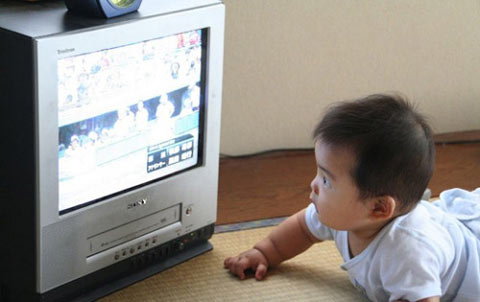 Trẻ em xem tivi nhiều sẽ bị ảnh hưởng như thế nào?