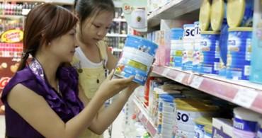 Giá sữa trẻ em bị kiểm soát chặt, người tiêu dùng hưởng lợi