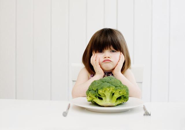 Bí quyết siêu đơn giản để con trẻ ăn nhiều rau