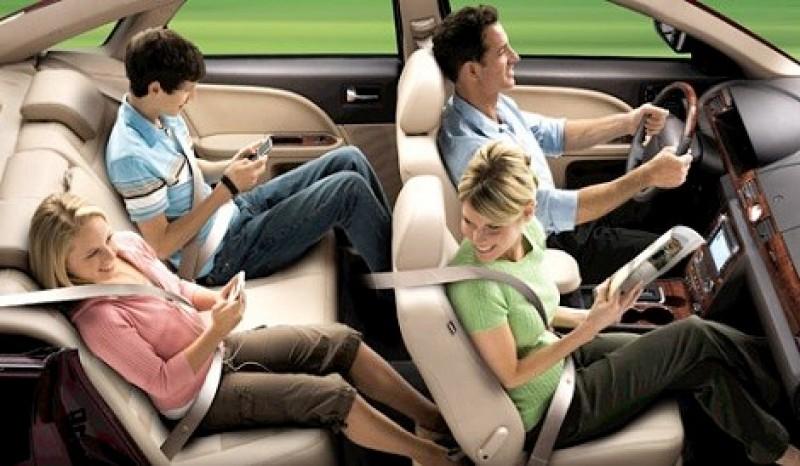 Tại sao nên cài dây an toàn ngay cả khi ngồi ở hàng ghế sau?