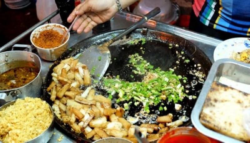 Những món ăn đường phố mới nhắc đã biết 'chất' Sài Gòn