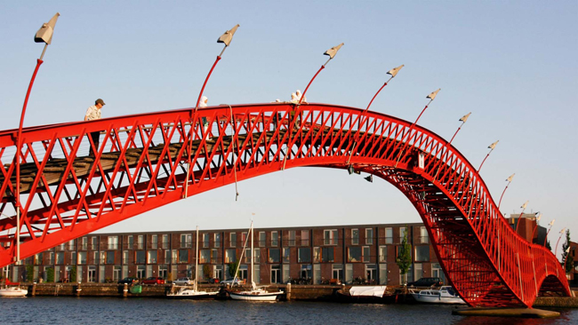 Đổ xô check-in những cây cầu kỳ lạ, siêu ngoạn mục