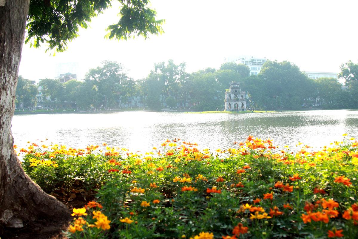 Báo Anh so sánh sự khác biệt của Hà Nội và Sài Gòn