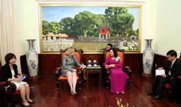 Tăng cường hợp tác giữa Thủ đô Hà Nội và Thủ đô Dublin
