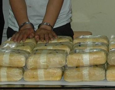 Khởi tố, bắt giam 2 đối tượng vận chuyển trái phép hơn 3,5kg ma túy