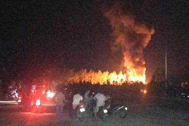Nổ lớn tại khu chiết xuất gas, lửa bùng cháy dữ dội