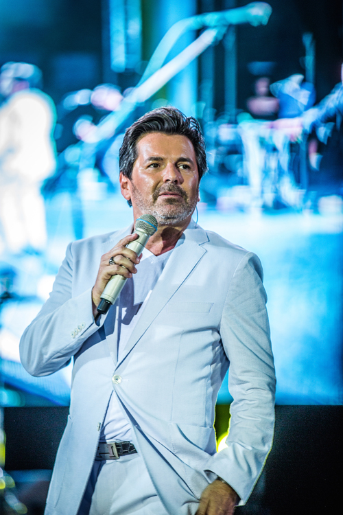 Ca sĩ chính của Modern Talking bày tỏ được ăn nem Hà Nội