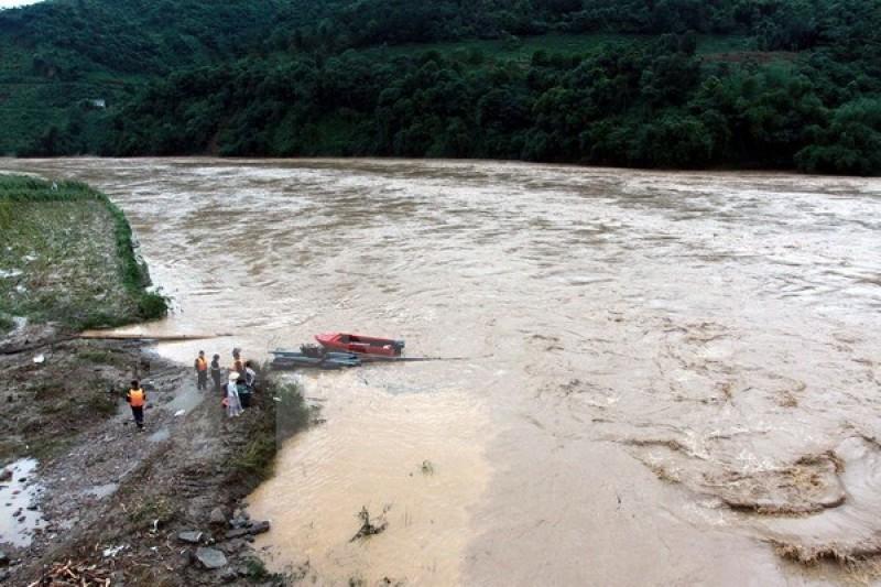 Mưa lũ ở các tỉnh phía bắc làm 96 người chết và mất tích