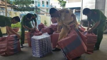 Bắt xe tải chở 13.000 bao thuốc lá nhập lậu