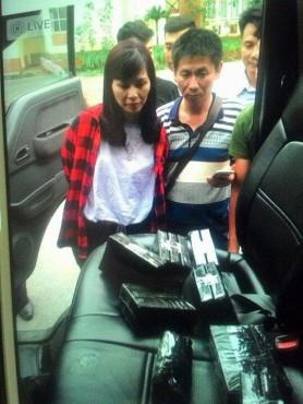 Hà Nội: Bắt nữ quái vận chuyển 15 bánh heroin tại cây xăng