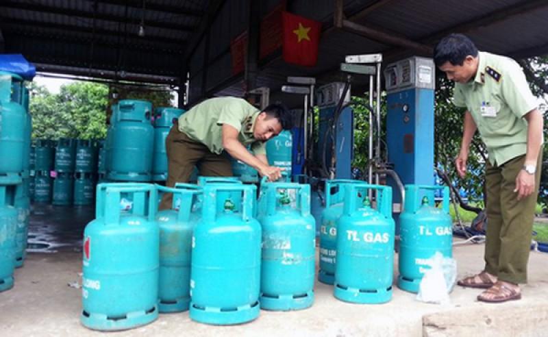 Tăng cường kiểm tra việc chiết nạp gas lậu