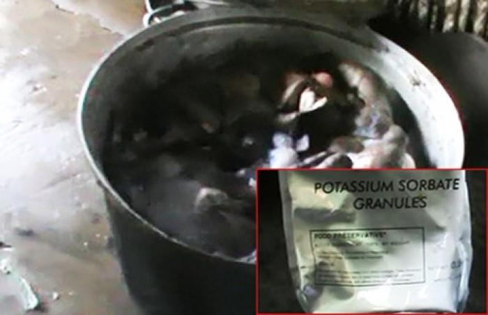 Thịt bò khô làm từ phổi heo và hóa chất