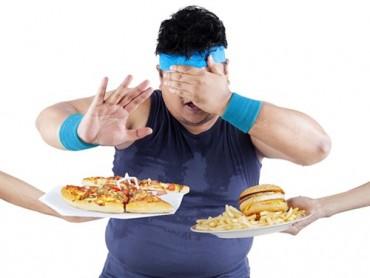 Vì sao vừa ăn xong lại thấy... đói?