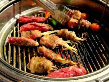 Nghiện ăn buffet thịt nướng, coi chừng bị ung thư