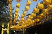 Phố cổ Hà Nội rực sắc vàng óng của hàng trăm guồng quay tơ