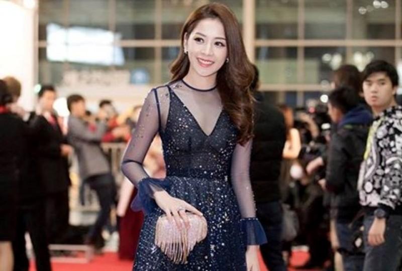"""Chi Pu đoạt giải """"Gương mặt phim mạng"""" tại lễ trao giải WebTV Asia 2016"""