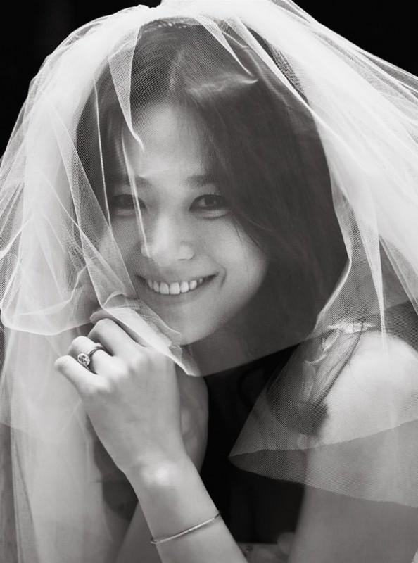 song joong ki va song hye kyo tung anh cuoi sau hon le
