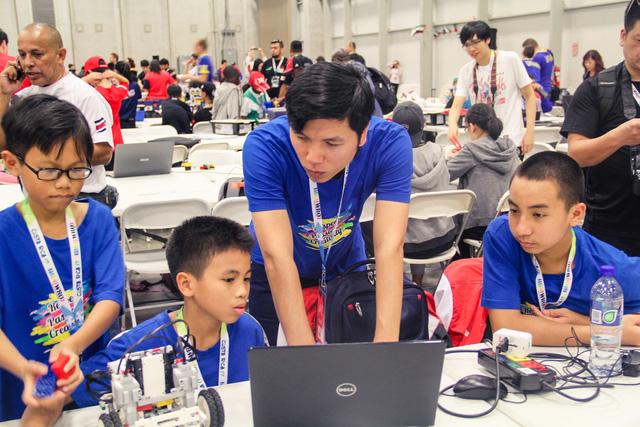 hoc sinh viet nam lot vao top 10 robotics the gioi