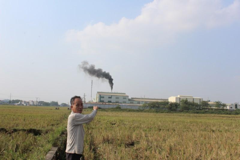Hàng trăm hộ kêu cứu vì xả thải công nghiệp