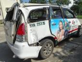 Bắt bốn đối tượng cướp xe taxi lúc rạng sáng