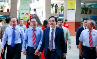 Bộ trưởng Phùng Xuân Nhạ gửi thư nhân ngày Nhà giáo Việt Nam 20-11