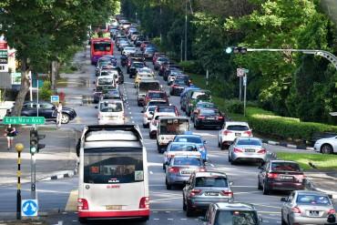 Singapore đánh phí ô tô 'siêu cao' để chống tắc đường
