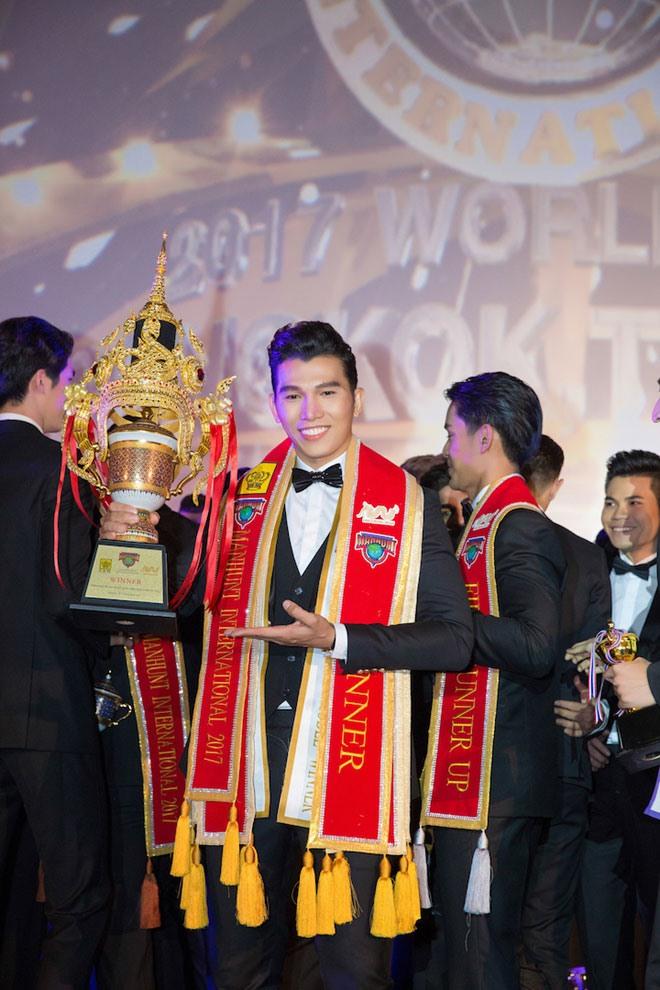 Ngọc Tình đăng quang Nam vương cuộc thi Manhunt International 2017