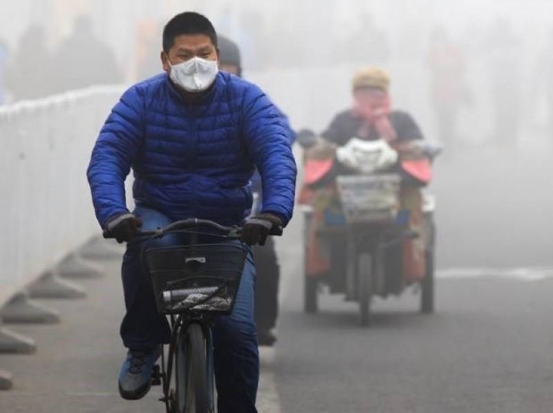 Trung Quốc ban bố cảnh báo màu cam về ô nhiễm không khí