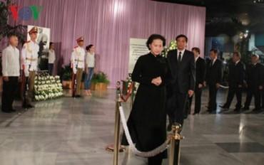 Tưởng niệm lãnh tụ Fidel Castro, Việt Nam để tang với nghi thức Quốc tang