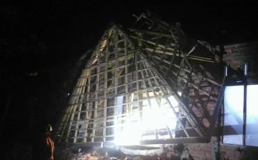 Động đất mạnh tại Indonesia, ít nhất hai người chết