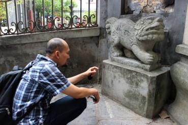 Người Việt  dùng linh vật Việt