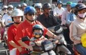 Báo nước ngoài viết về bài học đội mũ bảo hiểm tại Việt Nam