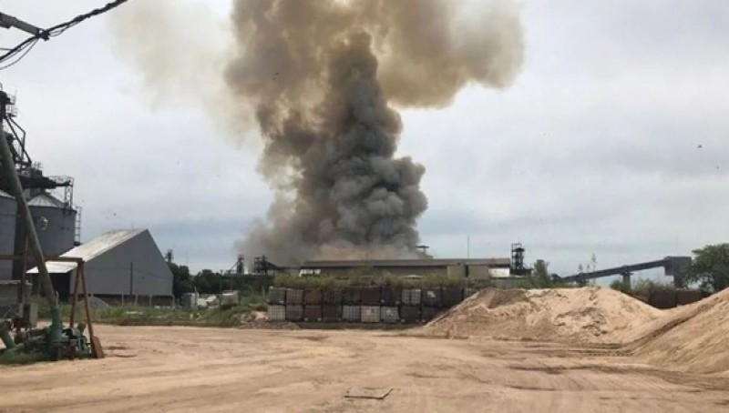 Nổ tại nhà máy sản xuất ngũ cốc ở Argentina, nhiều người bị thương