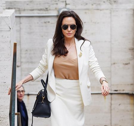 Angelina Jolie xinh đẹp và tự tin trên ghế đại biểu LHQ