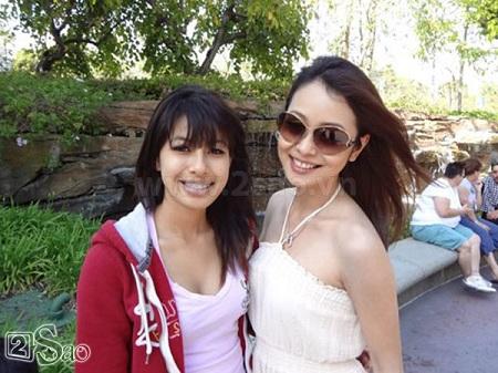 Jennifer Phạm và em gái