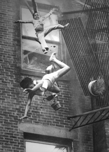 """Bức """"Hỏa hoạn trên phố Marlborough""""chụp năm 1975 bởi nhiếp ảnh gia Stanley Forman"""