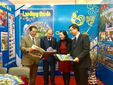 Khai mạc hội báo Xuân Đinh Dậu Hà Nội năm 2017