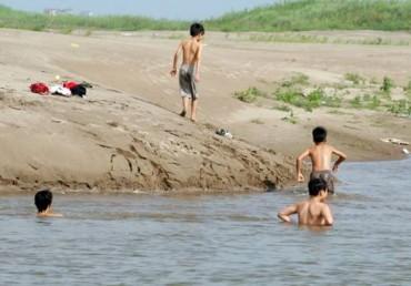Tránh đuối nước trẻ em: Xã hội hóa xây bể bơi phục vụ học sinh