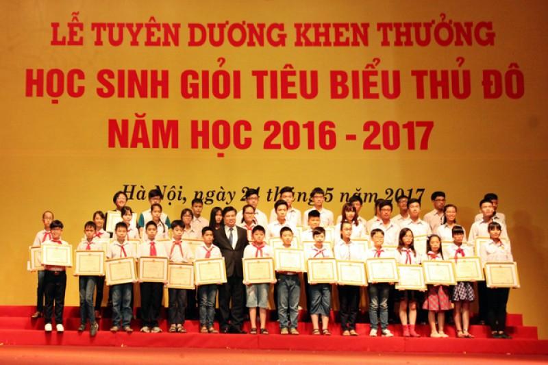 Hà Nội: Tuyên dương hơn 1.000 học sinh giỏi Thủ đô tiêu biểu