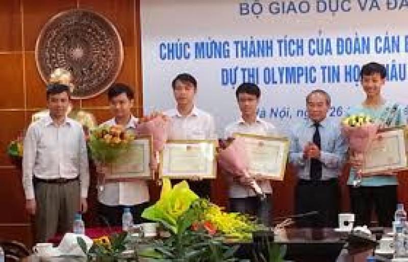 6 học sinh tham dự Olympic Tin học châu Á năm 2017 đều đoạt giải