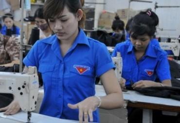 Lao động trẻ chiếm gần nửa trong 18,2 triệu người làm công ăn lương  ở Việt Nam