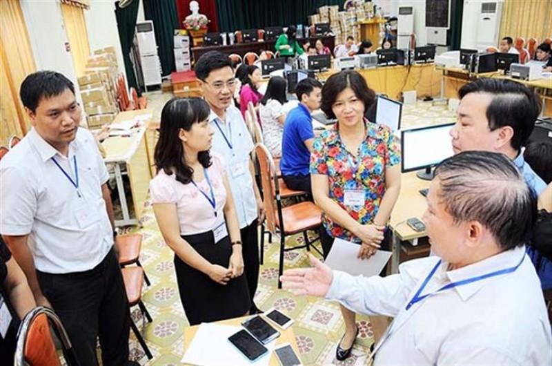 Bộ GD&ĐT kiểm tra công tác chấm thi tại Hà Nội