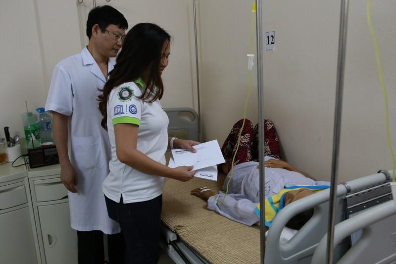 Được tặng 8 máy phun thuốc diệt muỗi gây sốt xuất huyết