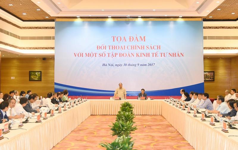 Thủ tướng đối thoại chính sách với một số tập đoàn kinh tế tư nhân