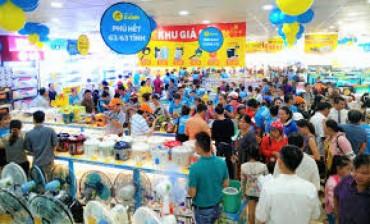 Nghiên cứu, xử lý phản ánh về nhân sự ngành bán lẻ bị cạnh tranh