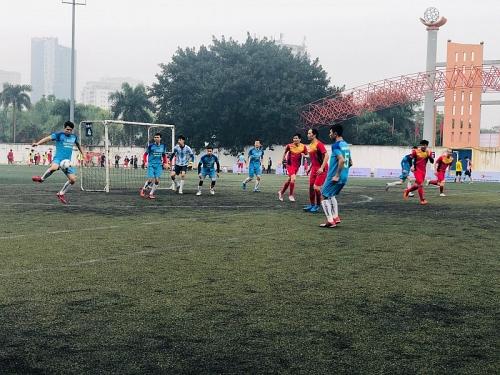 Sôi nổi Giải bóng đá nam ngành Giáo dục Hà Nội